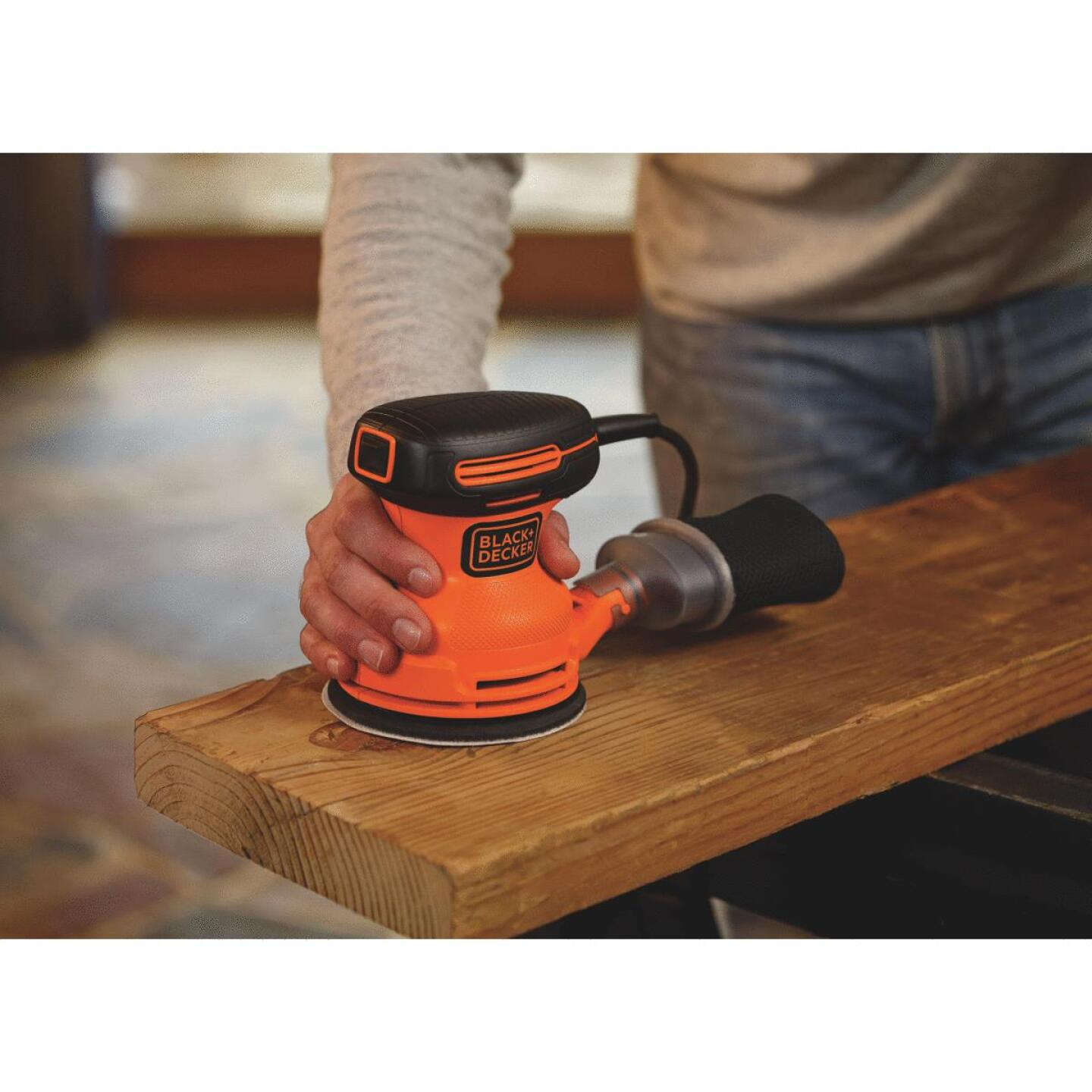 Black & Decker 5 In. 2.0A Random Orbit Finish Sander Image 6