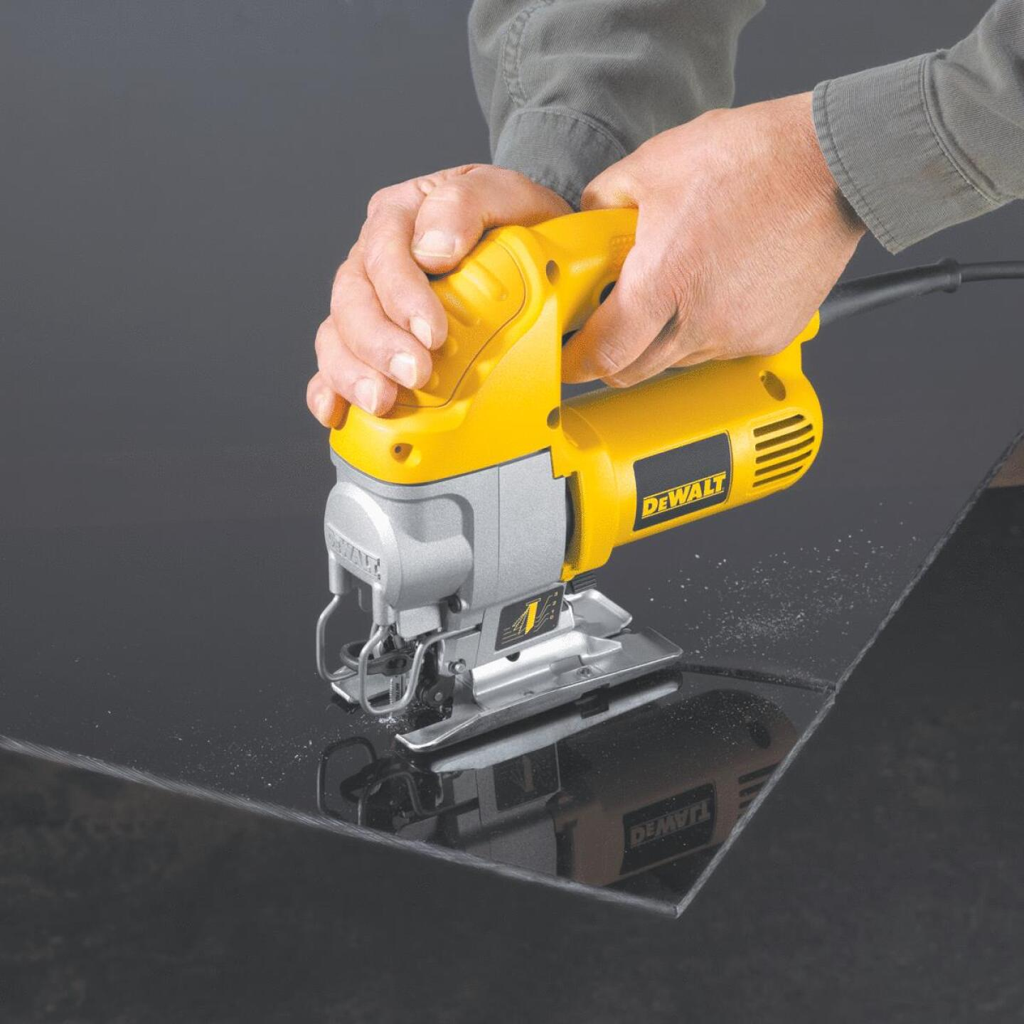 DeWalt 5.5A 4-Position 0 to 3100 SPM Jig Saw Image 7
